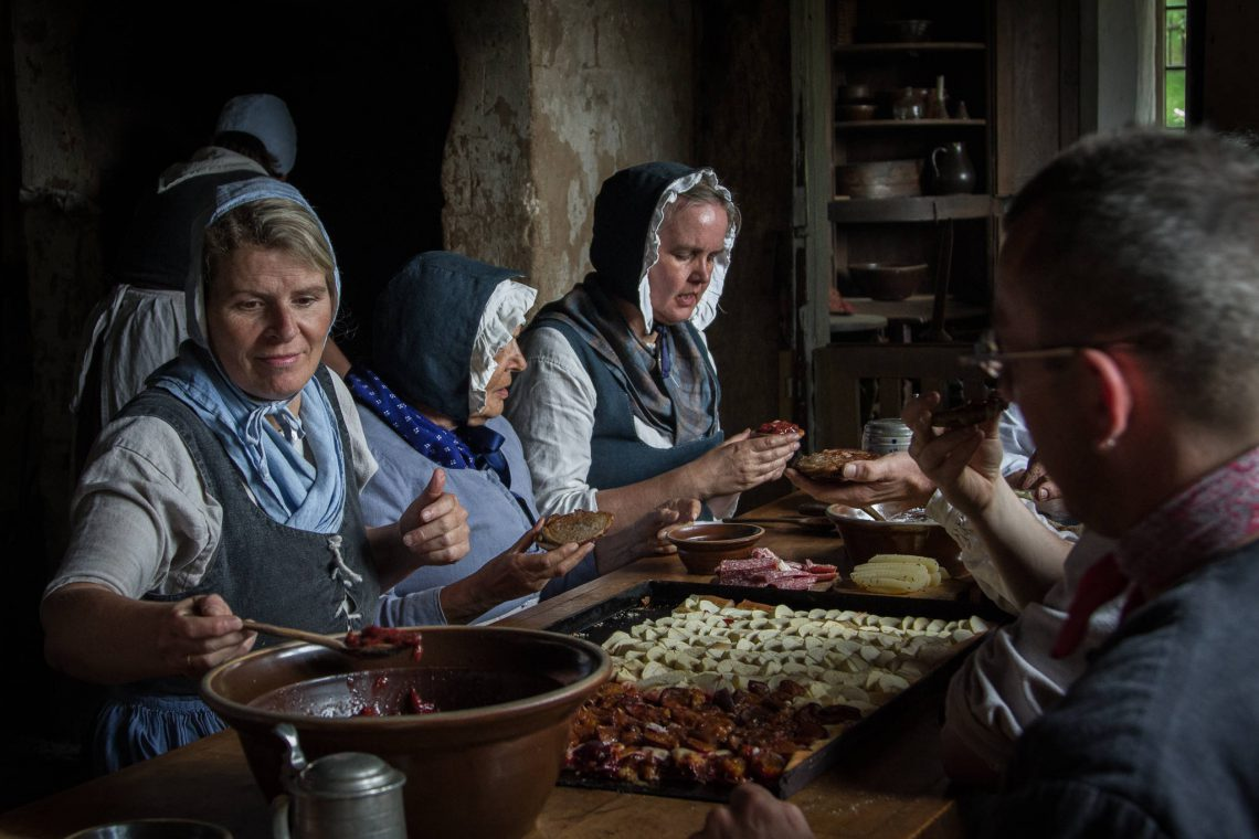 Living History 1813 - The meal begins