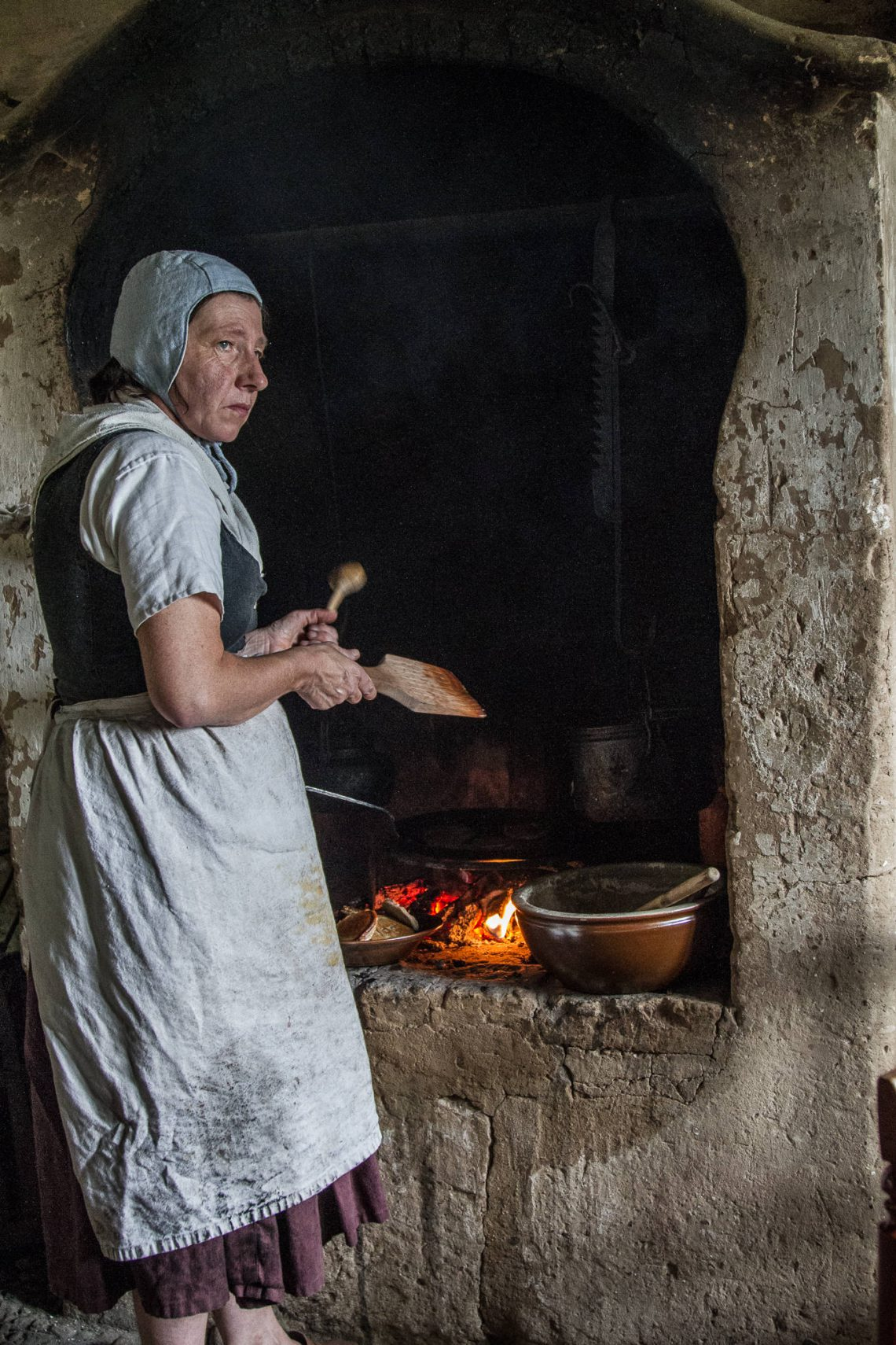 Living History 1813 - Cooking food