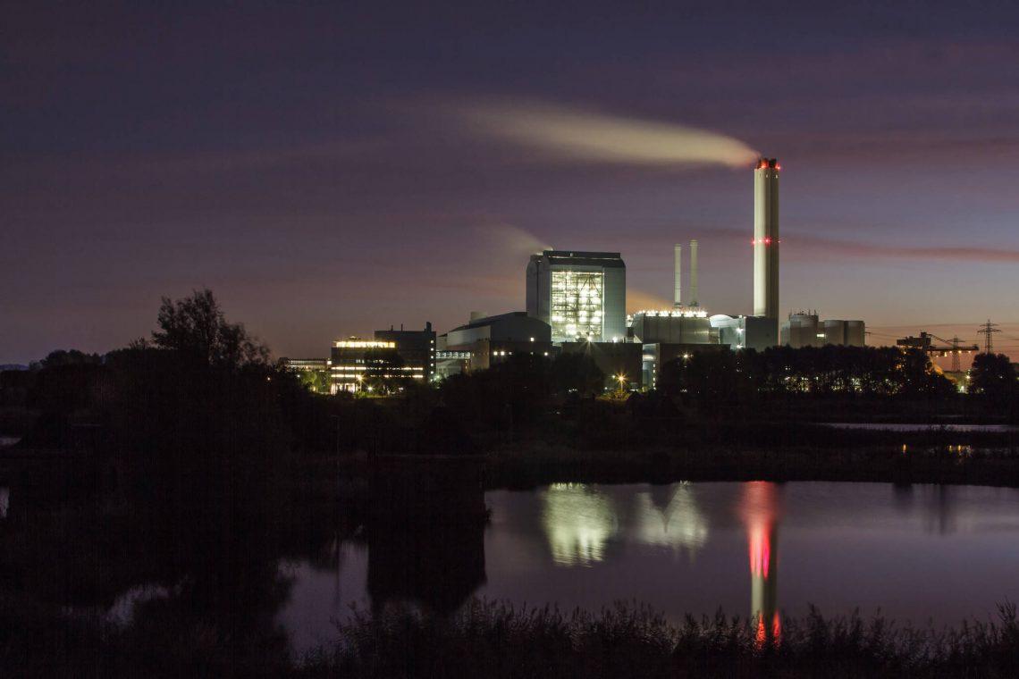 Kraftwerk Tiefstack bei Nacht