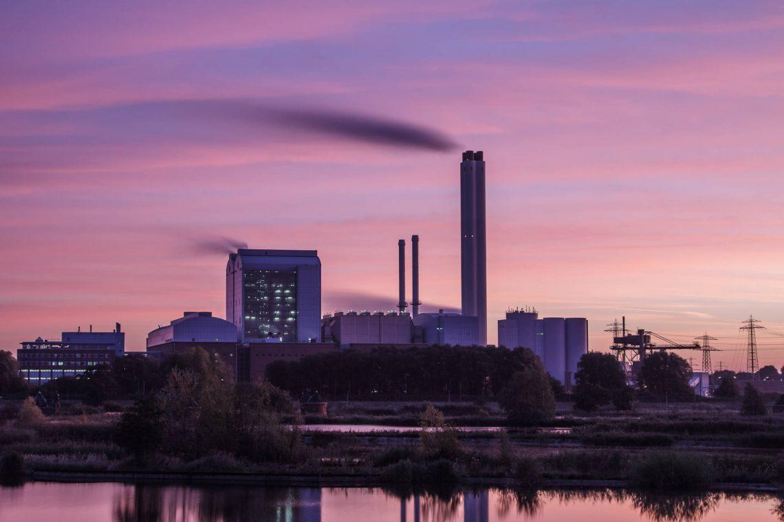 Power plant Tiefstack in morning light