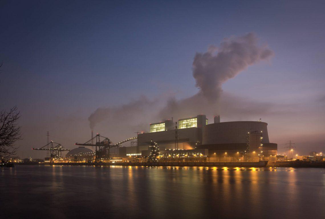 Power plant Moorburg at the Köhlbrandt
