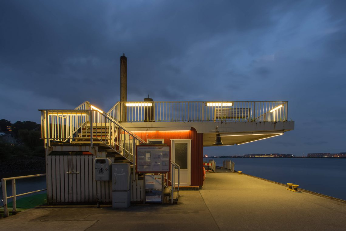 Shelter of the pier Blankenese