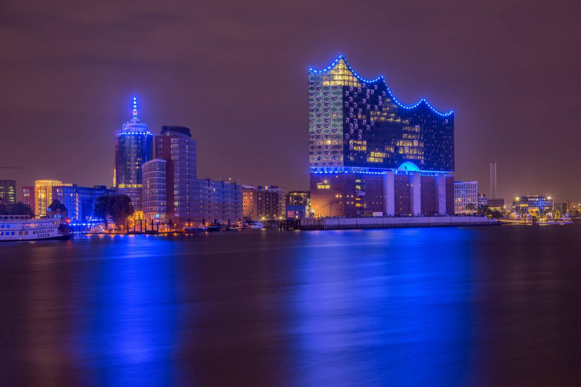 Blue Port - Elbphilharmonie & Hanseatic Trade Center